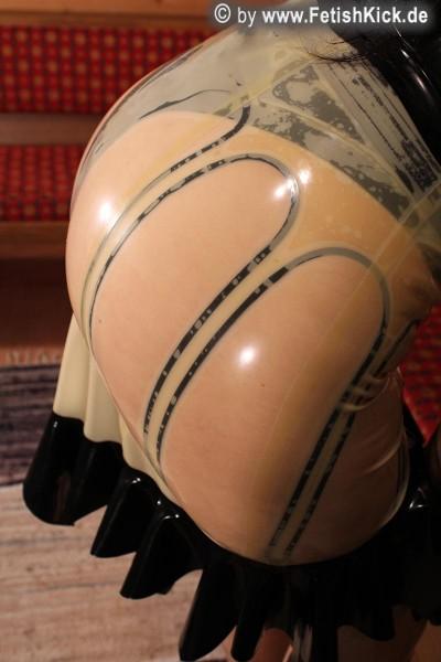 Latex Strapsgürtel mit 10 Strapsen und Schnürung